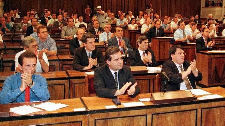 Albania nuova costituzione rsi radiotelevisione svizzera for Streaming parlamento