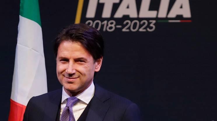 Italia, Conte torna in bilico