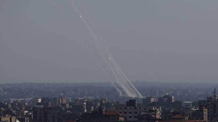Il lancio di alcuni razzi dalla Striscia di Gaza