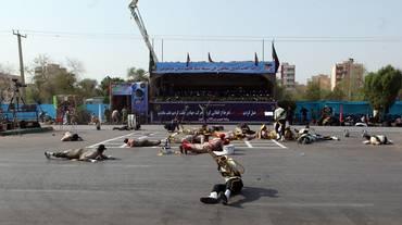 Iran, attentato alla parata