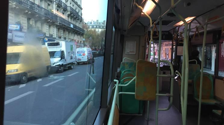 Il rientro nel X arrondissement dopo una notte in ufficio