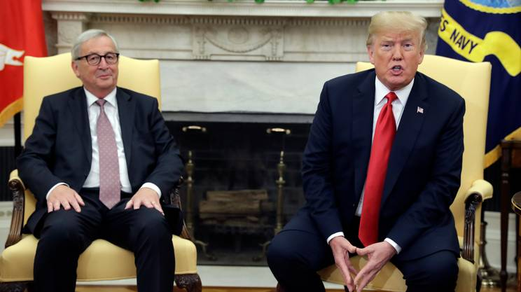 Jean-Claude Juncker e Donald Trump nello studio Ovale della Casa Bianca