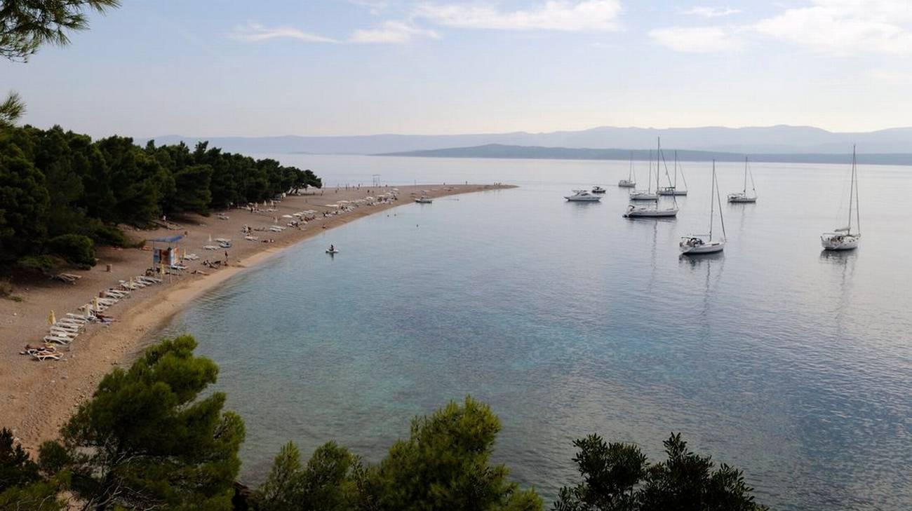 La costa croata vista dall'isola di Brac