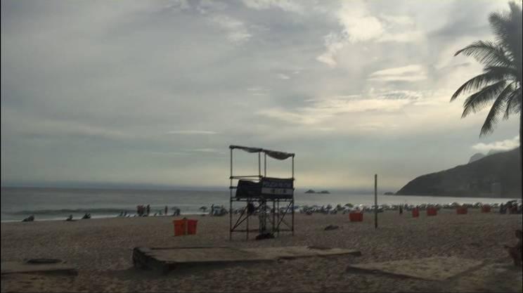 La postazione della polizia, sulla spiaggia di Rio esiste, ma in settimana è sempre vuota