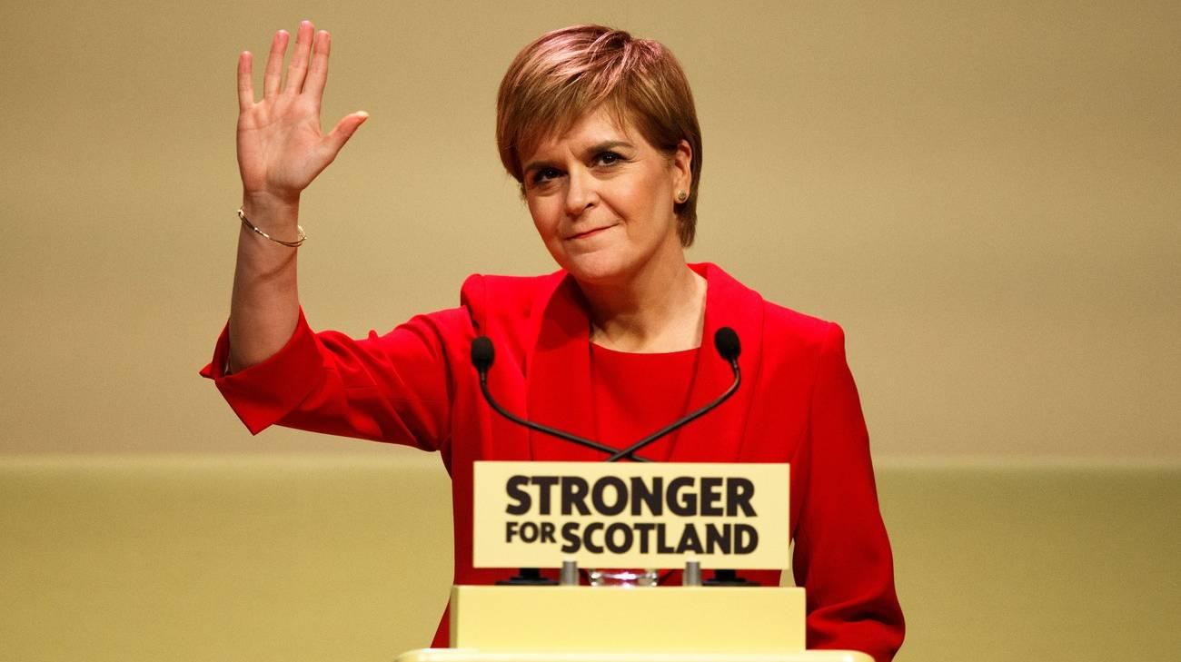 La prima ministra scozzese Sturgeon