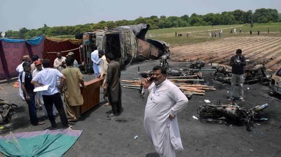 I morti sono 157 in Pakistan