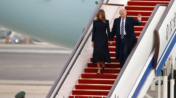 L'arrivo della coppia presidenziale a Pechino