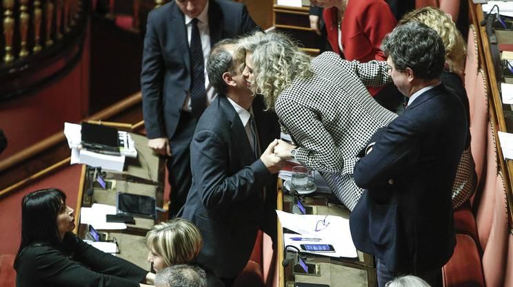 Le congratulazione a Monica Cirinnà dopo il voto