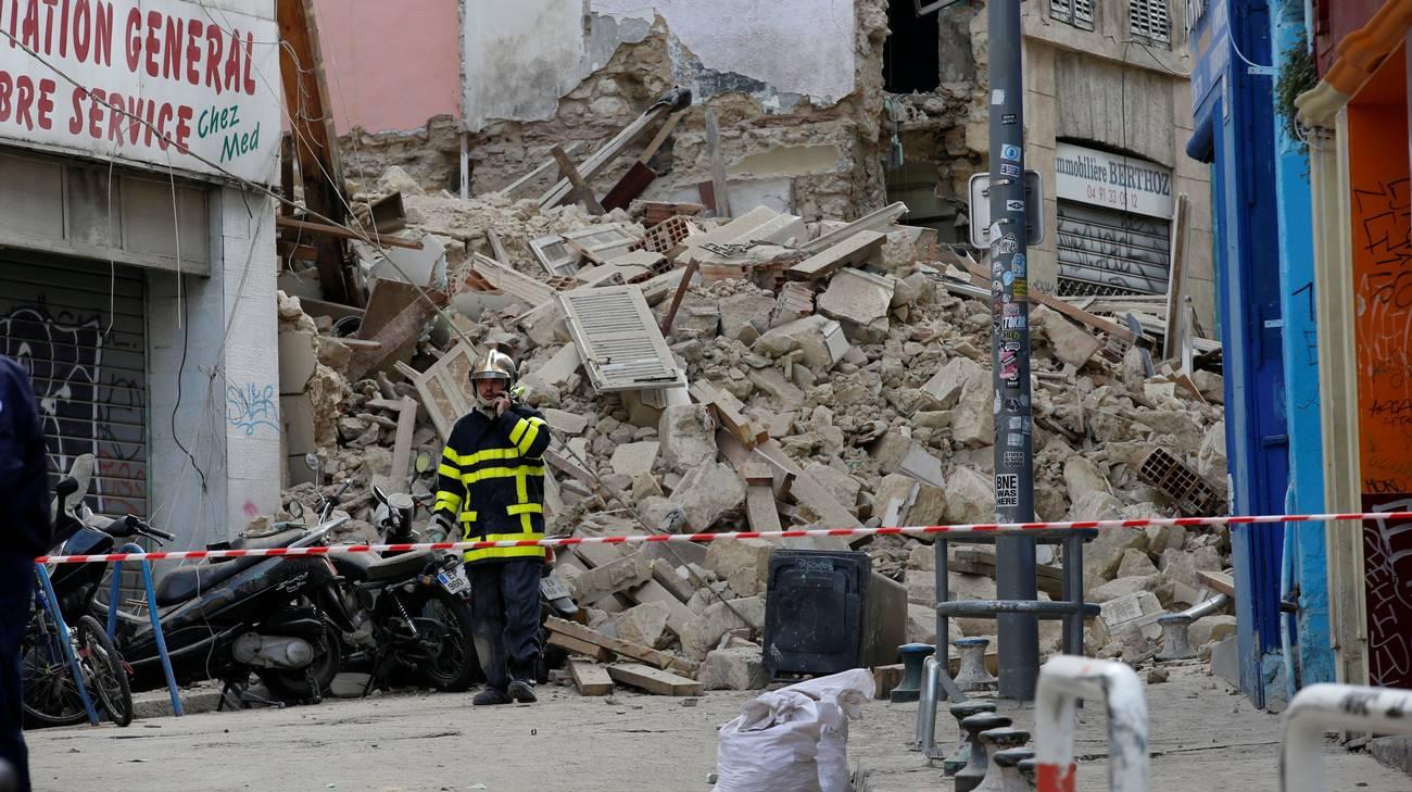 Risultati immagini per Crolli a Marsiglia: