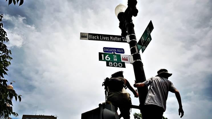 L'indicazione per la Black Lives Matter PLaza