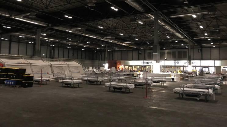 L'ospedale campo montato in cinque giorni all'interno dell'IFEMA, la fiera di Madrid