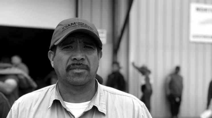 MEZZA VITA NEGLI USA – Ruben Toledo, da 26 anni viene negli USA come bracciante stagionale. Ha trascorso più tempo oltre confine che nel suo paese di origine