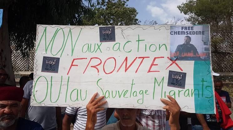 Manifestazione in Tunisia per chiedere la liberazione dei sei pescatori arrestati dalle autorità italiane - di Patrizia Mancini