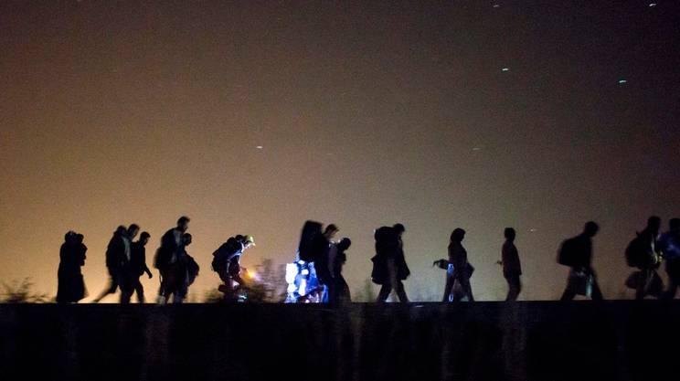 Nella sola giornata di domenica in Ungheria sono stati registrati 5'809 profughi provenienti dalla Serbia: un record