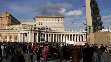 Storica firma Cina-Vaticano