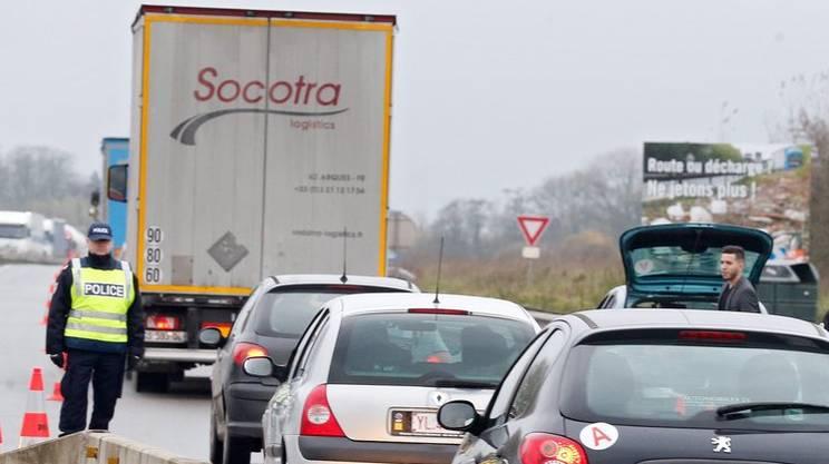 Posti di blocco al confine tra Francia e Belgio