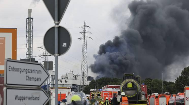 Preoccupa la nube tossica sviluppata dall'incendio