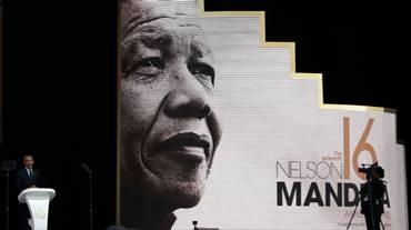 Obama onora Mandela