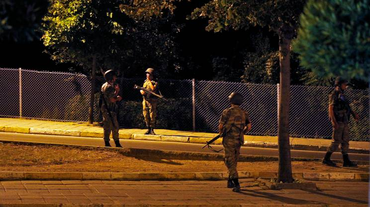 Soldati nella parte asiatica di Istanbul