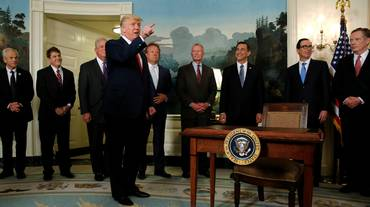 "In tilt i ""fake premi"" di Trump"