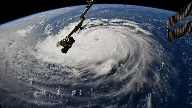 Un'immagine satellitare che mostra Florence in movimento sull'Atlantico, martedì
