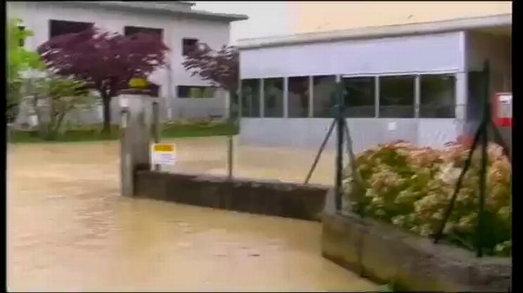 Cantine allagate, fiumi in piena, danni ingenti, VIDEO (ebu)