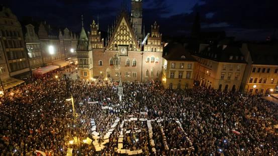 Polonia: sì alla riforma