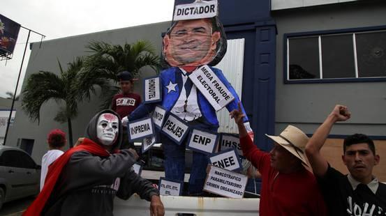 Honduras, la protesta s'infiamma