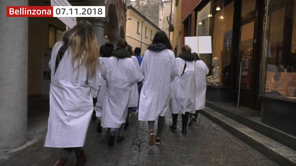 Gli infermieri manifestano a Bellinzona