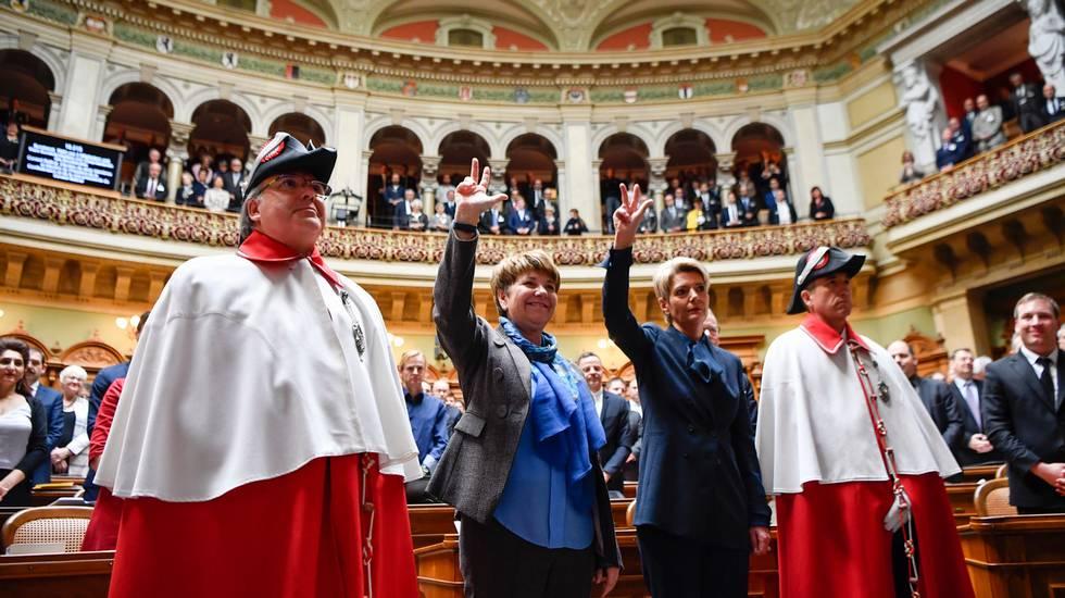 Il giuramento delle due nuove consigliere federali, Viola Amherd e Karin Keller-Sutter