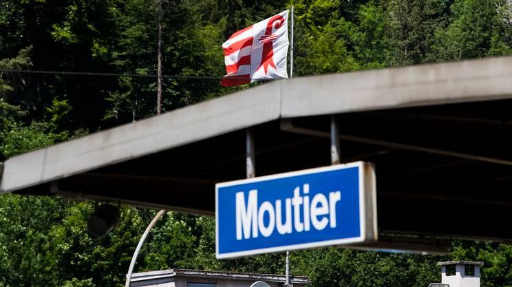 A Moutier sventola la bandiera giurassiana