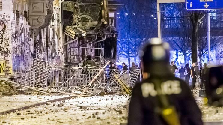 Feriti e fermi a Berna