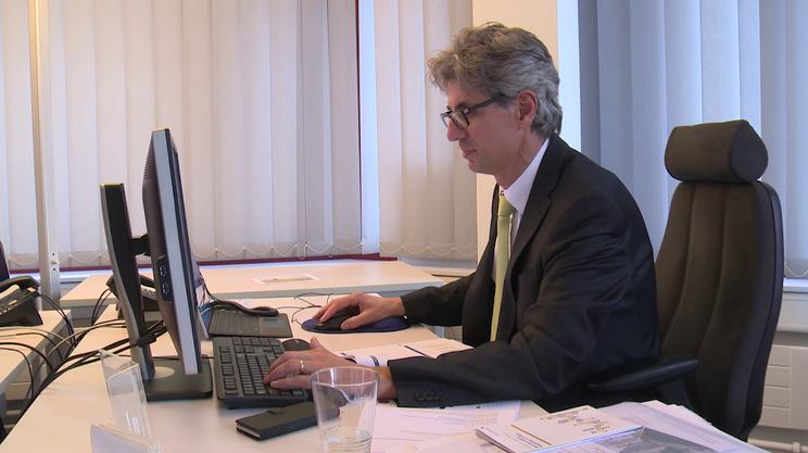 Donato Scognamiglio è docente presso l'Università di Berna