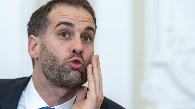 Hodgers, nato in Argentina, è stato sei anni in Consiglio nazionale