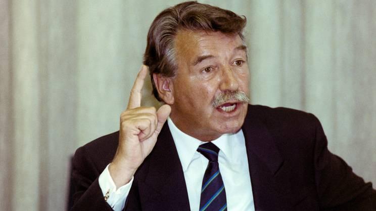 Il Consigliere federale René felber in un'immagine scattata nell'agosto del 1990