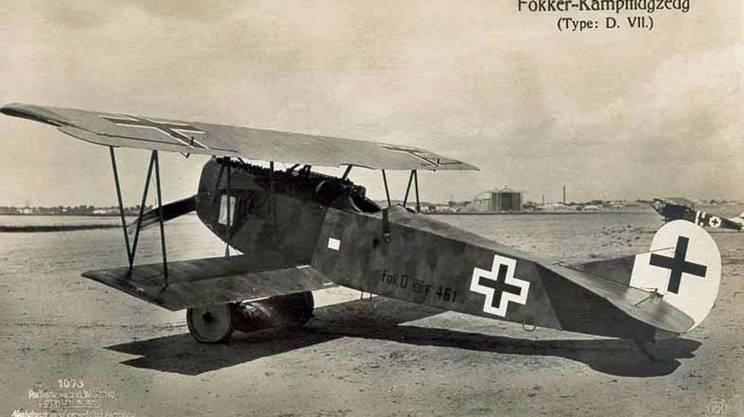 Il Fokker D-II, con i suoi 150 chilometri orari, diventa subito l'aereo più veloce in mano all'aviazione militare svizzera