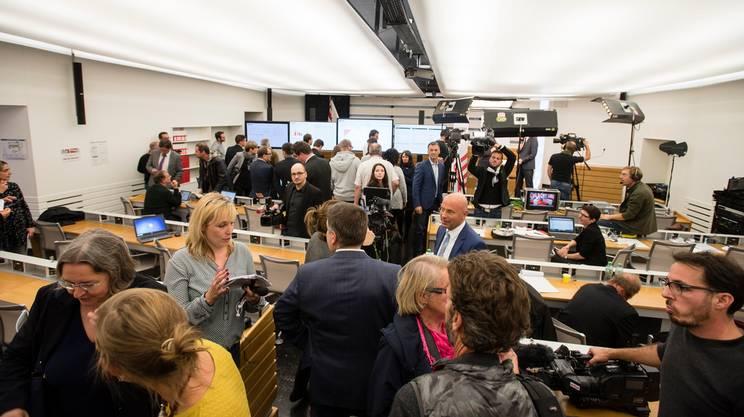 Il giura scivola a destra rsi radiotelevisione svizzera for Streaming parlamento