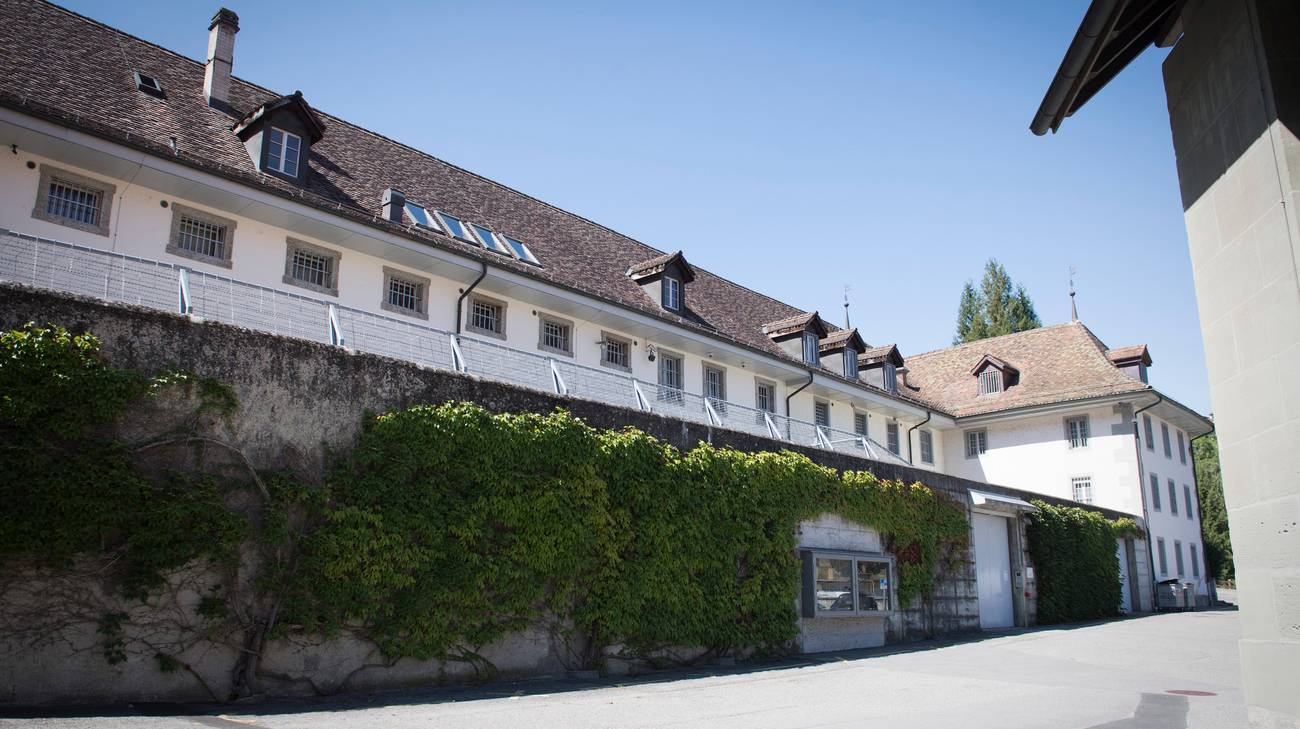 Il muro di cinta della prigione di Friburgo, scavalcato grazie alle lenzuola annodate