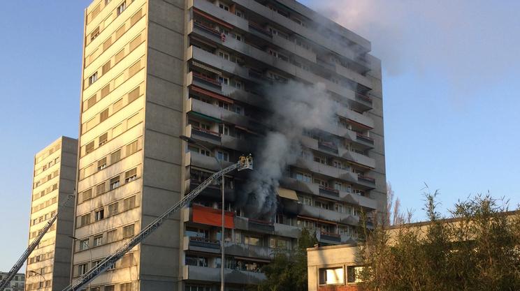 Incendi due feriti gravi rsi radiotelevisione svizzera for Palazzo a due piani