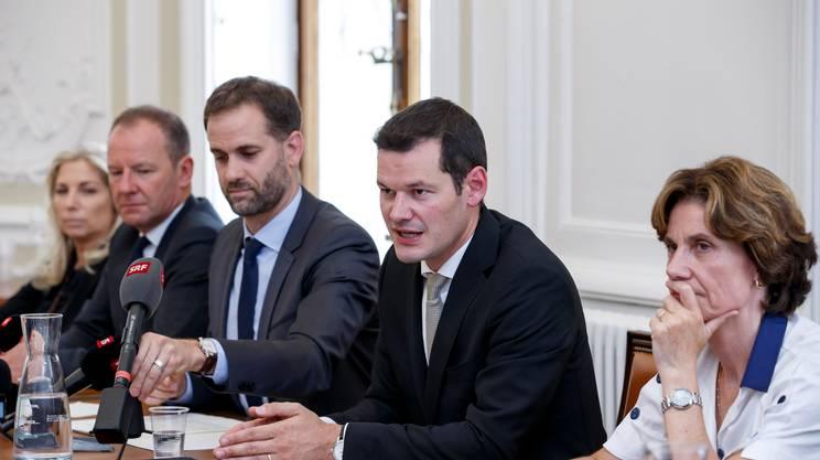 Insieme agli altri consiglieri di Stato