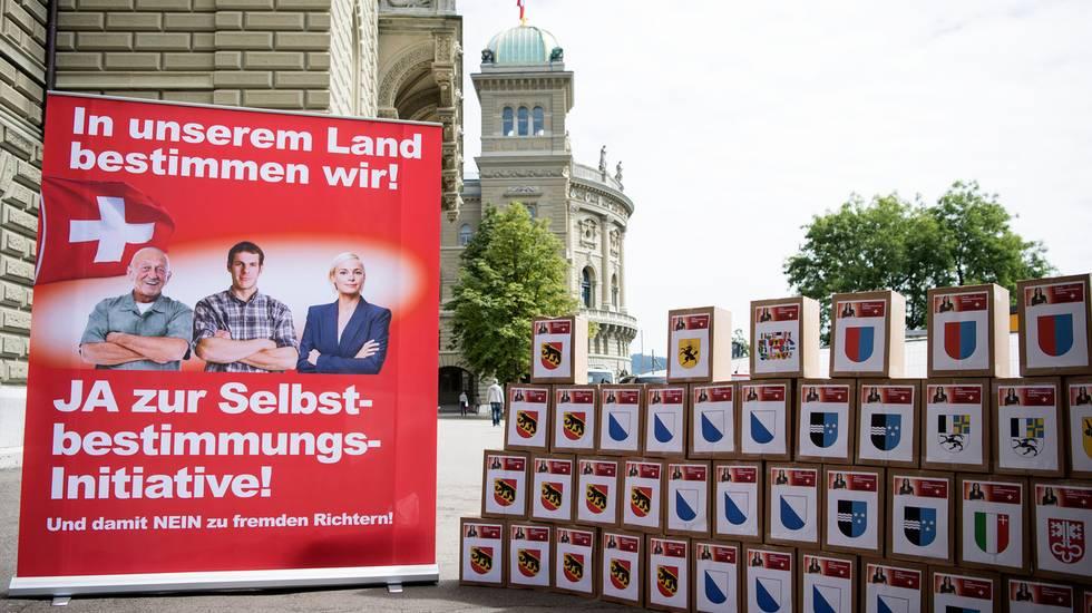"""Iniziativa """"Per l'autodeterminazione"""": immagini della campagna in vista del voto"""