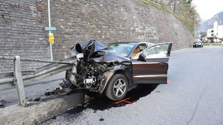 La vettura andata distrutta nell'incidente avvenuto a Ilanz
