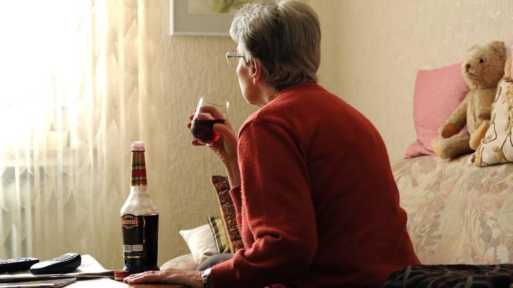 Quella da alcolici rimane la dipendenza che determina più problemi