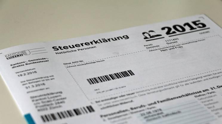 Un modulo per la dichiarazione d'imposta nel canton Lucerna, alle prese oggi con minori entrate fiscali e problemi di bilancio