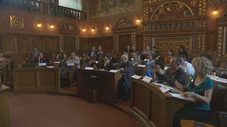 Il parlamento dei migranti rsi radiotelevisione svizzera for Streaming parlamento