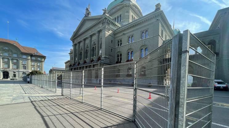 Una recinzione per proteggere Palazzo Federale