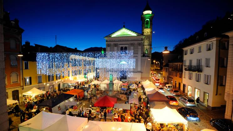Bildergebnis für mercatino natalizio locarno