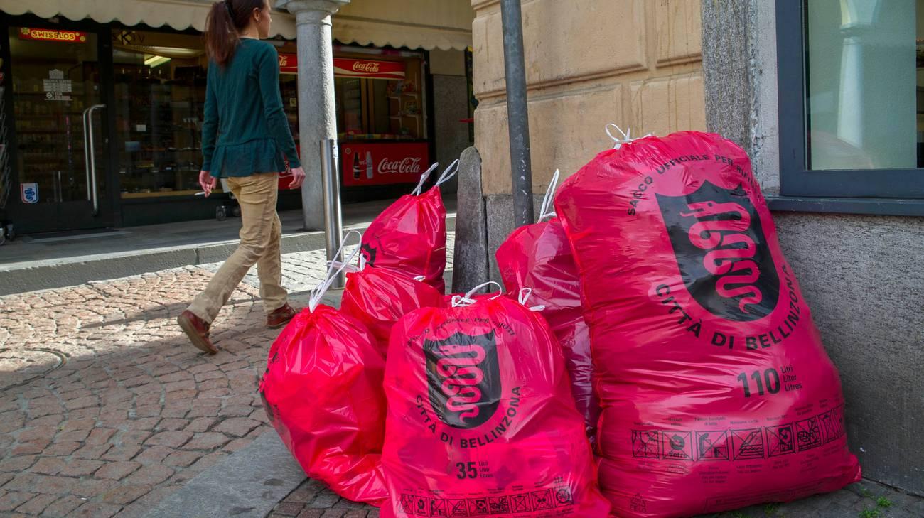 A Bellinzona la plastica finirà nel sacco