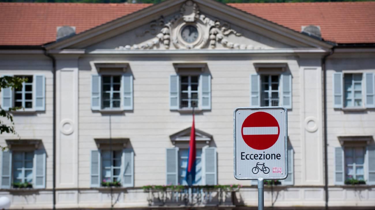 Il parlamento non si riduce rsi radiotelevisione svizzera for Numero deputati