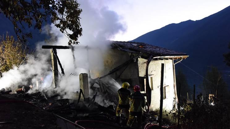 Casa in fiamme ad Arogno
